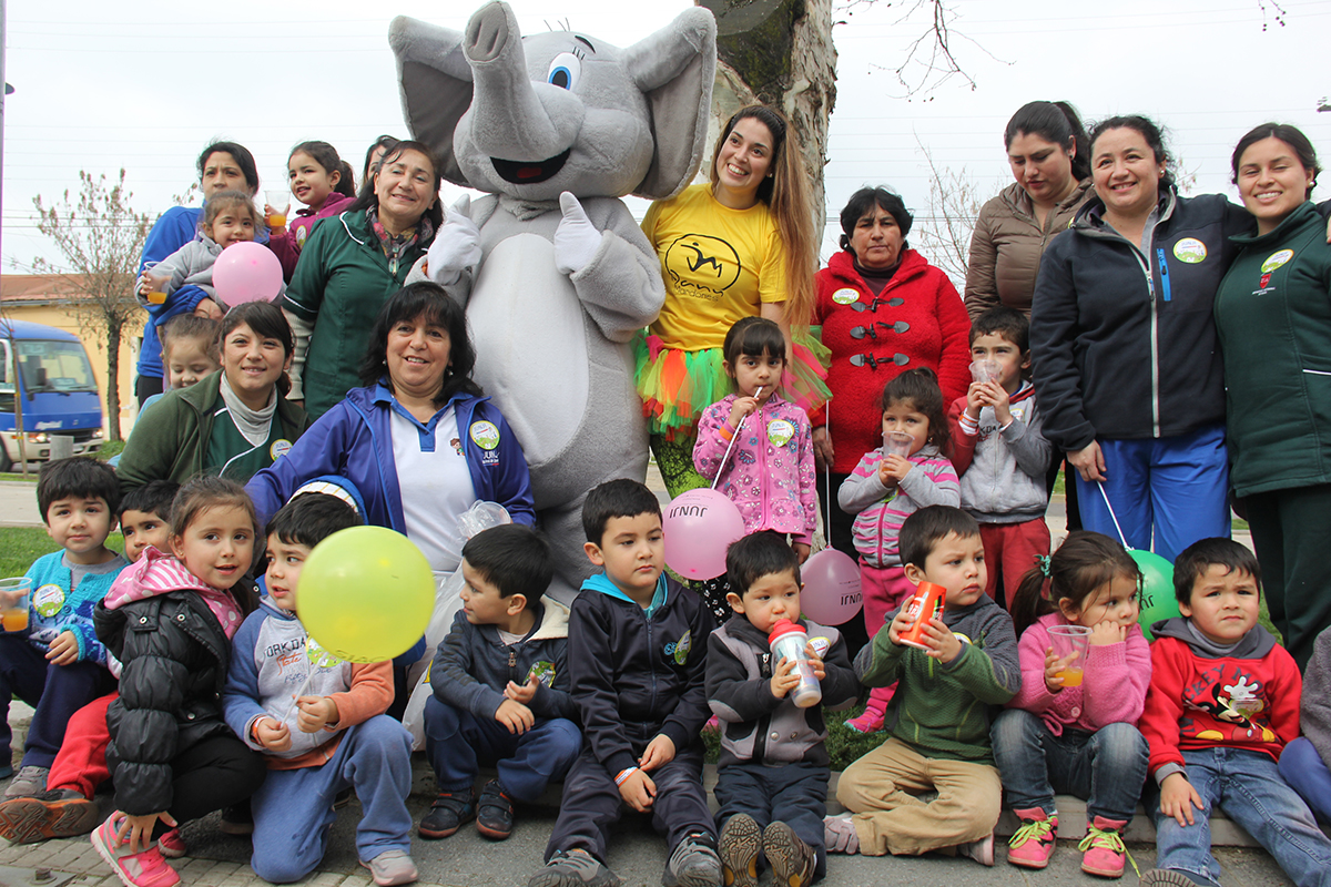 Jard n infantil bamby realiz marcha por los derechos de for Postulacion jardin junji 2016